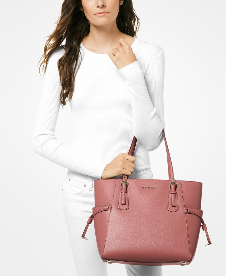 cd5d17a46982 Michael Kors East West Voyager Crossgrain Rose/Gold Leather Tote - Tradesy