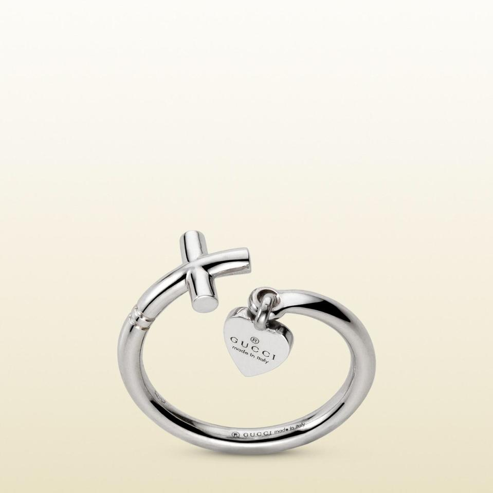 16960125f5ac76 Gucci Women's Metallic Ring With Cross And Trademark Engraved Heart Pendant  Image 7. 12345678