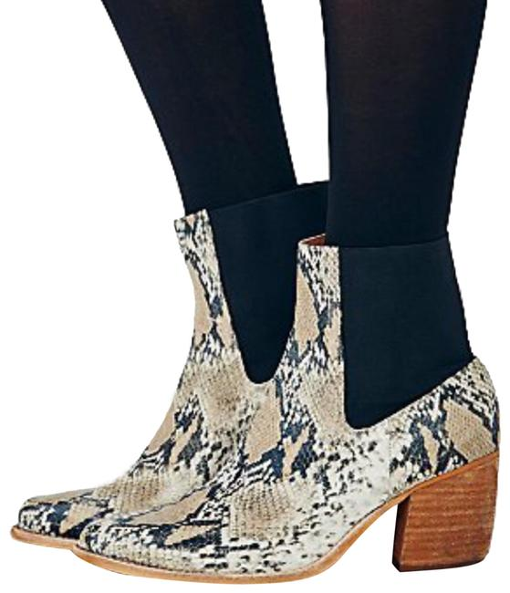 Item - Tan Snakeskin Ankle Boots/Booties Size US 6.5 Regular (M, B)