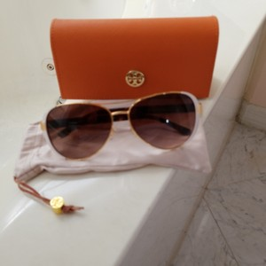 4a6493a9bc65 Tory Burch White and Gold Metal Trim with Brown Tortoiseshell Sides ...