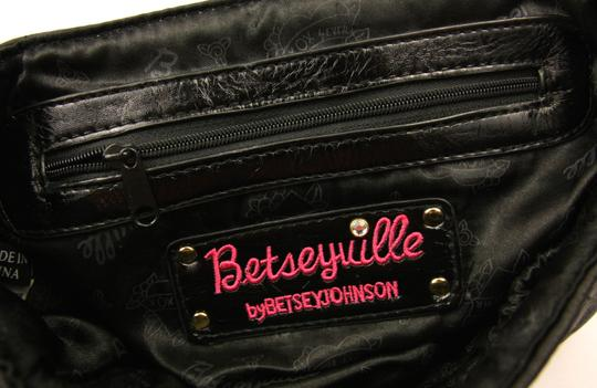 Betseyville by Betsey Johnson Quilted Chain Strap Star Fabric Embroidered Shoulder Bag Image 8