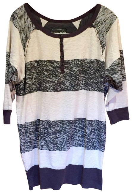 Item - Gray and White Stripes Charcoal Rugby Henley Tunic Size 0 (XS)
