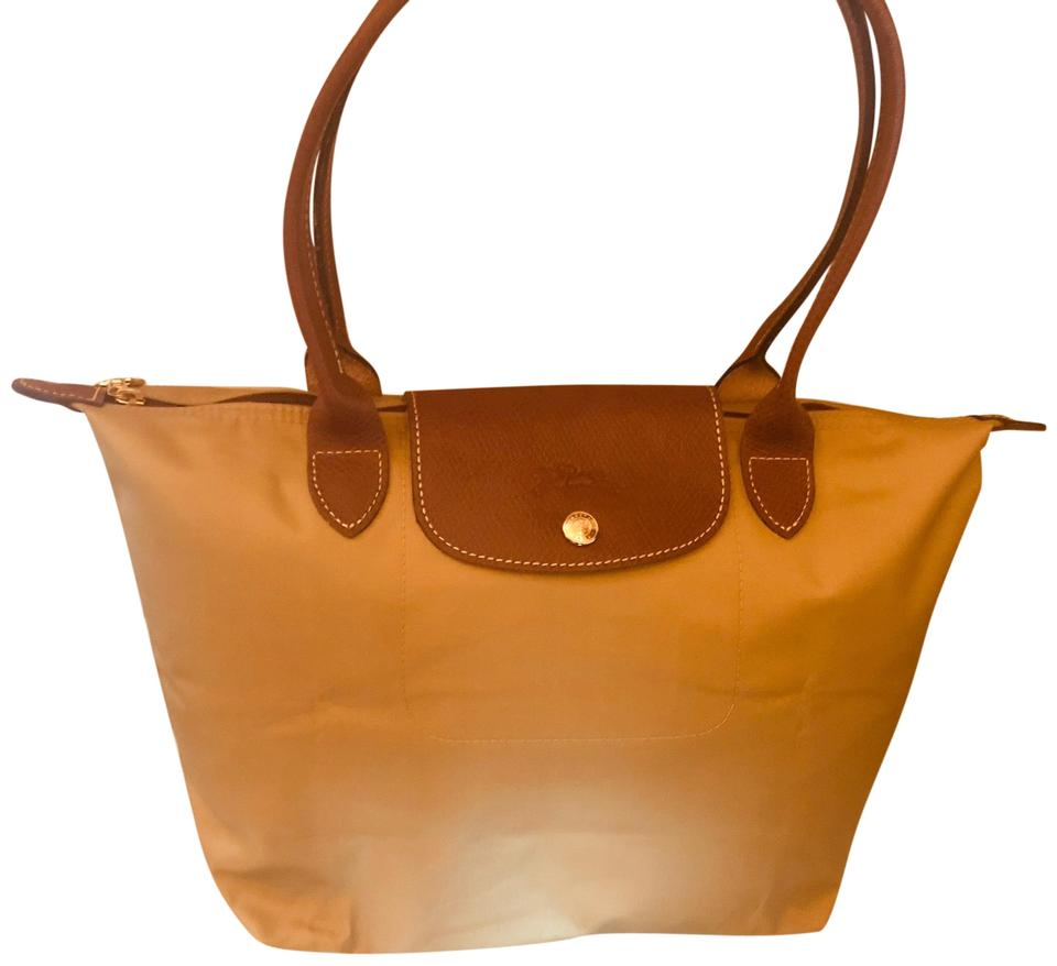 7173c66f2716 Longchamp Le Pliage Medium Honey Nylon Tote - Tradesy
