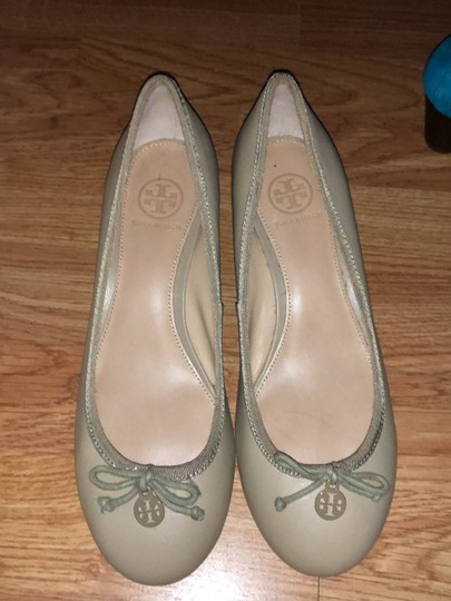Tory Burch beige or nude Wedges Image 1