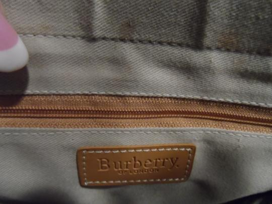 Burberry London Tote in Tan Image 5