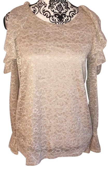 Preload https://img-static.tradesy.com/item/24929069/montreal-m-lace-open-shoulder-blouse-size-8-m-0-1-650-650.jpg