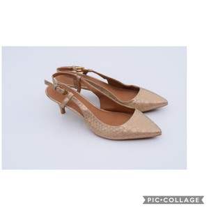 c22b618abf64 Calvin Klein Pumps - Up to 90% off at Tradesy