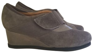 Earthies Gray Wedges