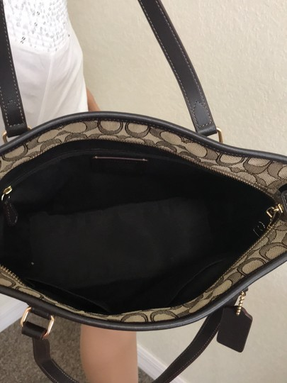 Coach Tote in Khaki Brown Image 4