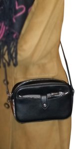 G.I.L.I. Cross Body Bag
