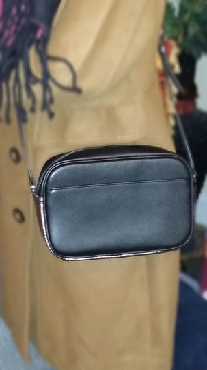 G.I.L.I. Cross Body Bag Image 3
