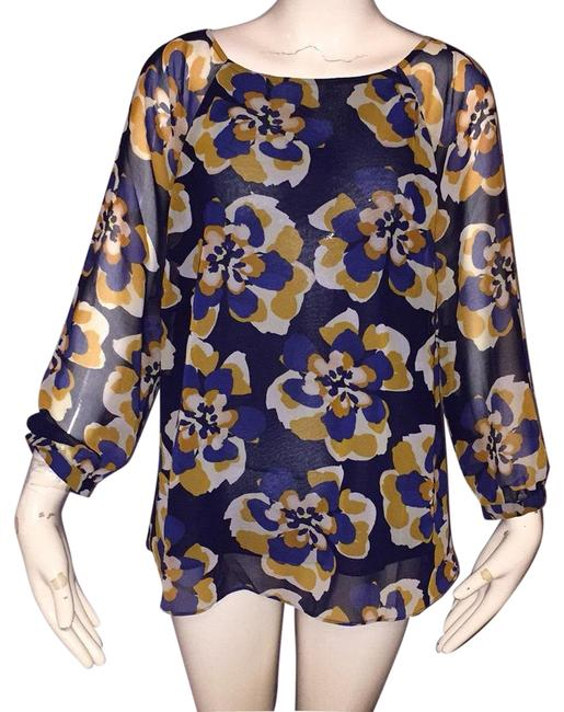 Preload https://img-static.tradesy.com/item/24929456/cabi-blue-and-gold-blouse-size-6-s-0-1-650-650.jpg