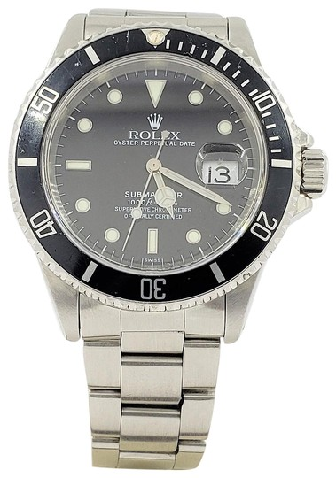 Preload https://img-static.tradesy.com/item/24929477/rolex-stainless-steel-16610-submariner-stainless-oyster-date-40mm-watch-0-1-540-540.jpg