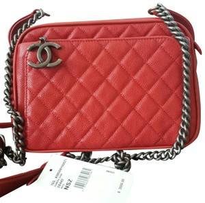 d0c8a5effcad Red Chanel Bags - Up to 90% off at Tradesy (Page 3)