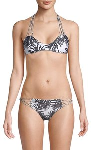 MIKOH MIKOH Women's Banyans Swimsuit Bikini Top, Monsterra, M