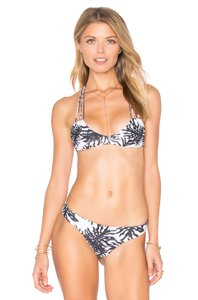MIKOH MIKOH Women's Banyans Swimsuit Bikini Top, Monsterra, L