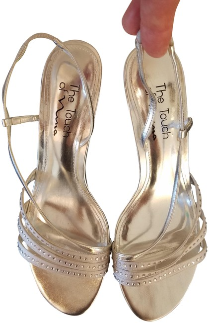 Item - Silver The Fabric and Rhinestone Sandal Formal Shoes Size US 8 Regular (M, B)
