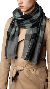 Burberry NWT BURBERRY EXPLODED NOVA CHECK CRINKLE SCARF LIGHT GREY