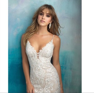 Allure Bridals White #9501 Never Worn Formal Wedding Dress Size 6 (S)
