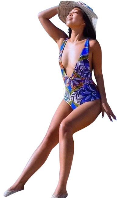 Item - Printed Swimsuit One-piece Bathing Suit Size 6 (S)