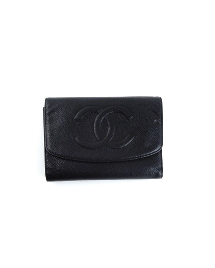 Preload https://img-static.tradesy.com/item/24935335/chanel-black-clutch-calf-leather-mid-size-w-snap-closure-france-wallet-0-0-540-540.jpg