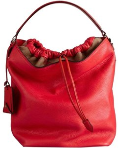 cfc1e7f73ef7 Red Burberry Totes - Up to 90% off at Tradesy