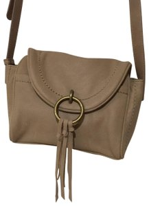 3e17c8b82ac5 Lucky Brand Bags - Up to 90% off at Tradesy