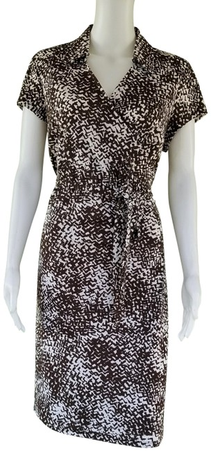 Item - Brown White New Print Wrap 14p Mid-length Short Casual Dress Size Petite 14 (L)