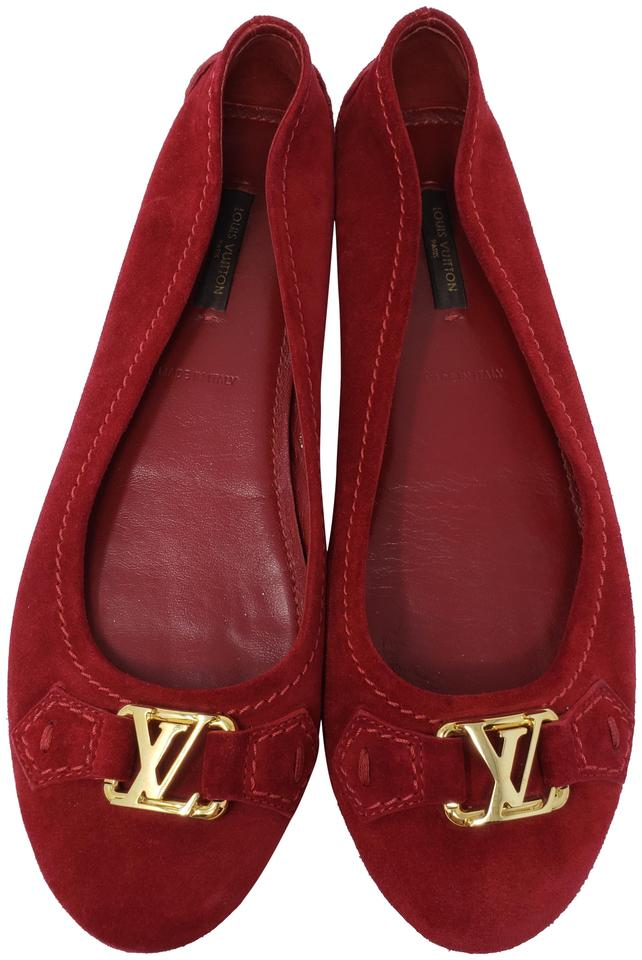 1813821324b6 Louis Vuitton Red Suede Lv Logo Buckle Round-toe Flats. Size  EU 38.5  (Approx. US 8.5) Regular (M ...