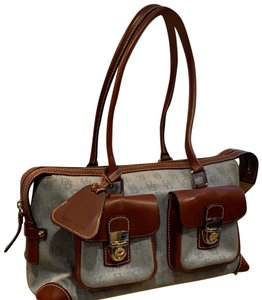 a13b8a81c600 Dooney   Bourke Satchels - Up to 90% off at Tradesy