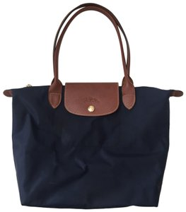 38fb5019af48 Longchamp Totes - Up to 90% off at Tradesy
