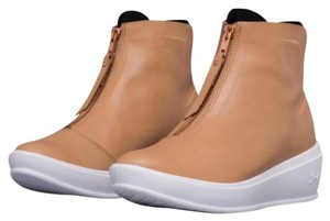 Under Armour Camel Boots