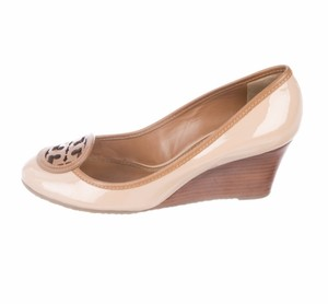 1e59acf62127 Beige Tory Burch Pumps - Up to 90% off at Tradesy