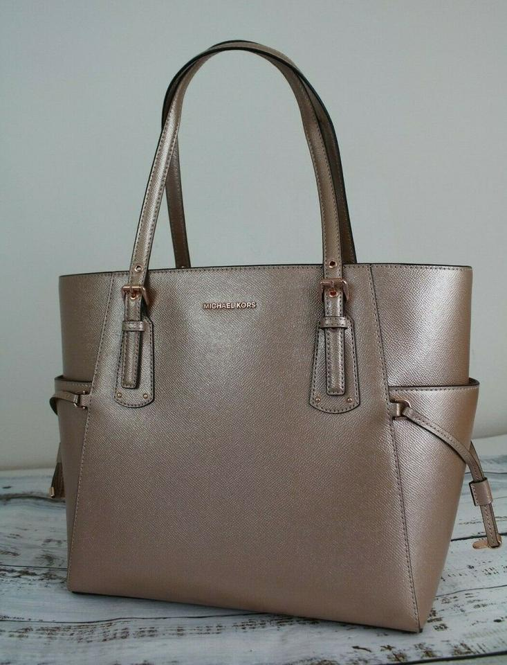 e6e1fdfa169b Michael Kors East West Voyager Crossgrain Ballet/Rose Gold Leather ...