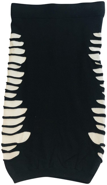 Item - Black White Cut Out Detail Skirt Size 4 (S, 27)