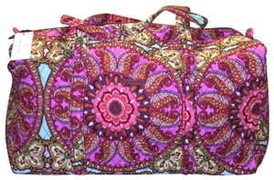 7e2d49c8c1dd Vera Bradley Weekend   Travel Bags - Up to 90% off at Tradesy