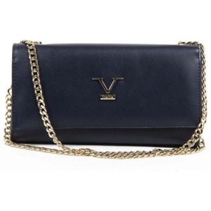 5971c6684c06 Versace 19.69 Bags - Up to 90% off at Tradesy