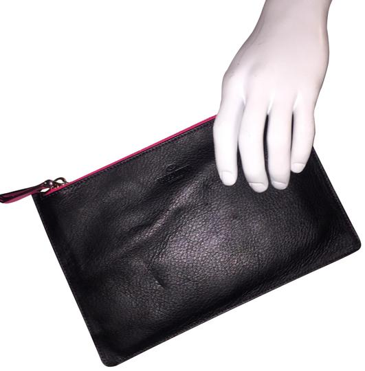 Preload https://img-static.tradesy.com/item/24944742/valentino-zip-top-pouch-black-red-leather-clutch-0-4-540-540.jpg