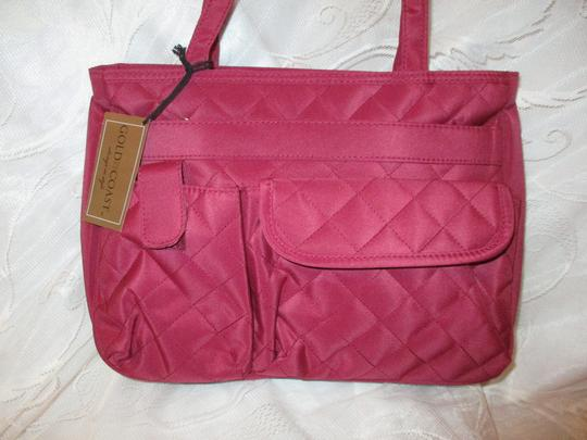 Gold Coast Nylon Canvas Quilted 002 Shoulder Bag Image 4