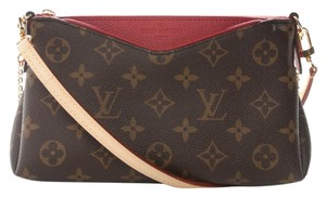 Louis Vuitton Pallas Chain Shoulder Bags - Up to 70% off at Tradesy 8fe0b79a3578b