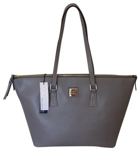 96b2c7d1ae88 Dooney   Bourke on Sale - Up to 80% off at Tradesy