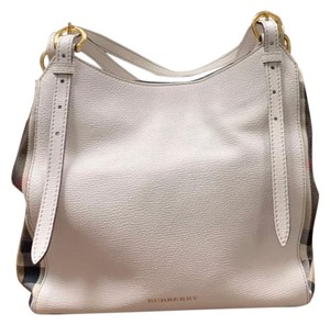 White Burberry Bags - Up to 90% off at Tradesy 79c9ccaee367d