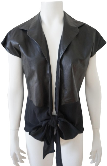 Preload https://img-static.tradesy.com/item/24945457/black-leather-top-vest-size-12-l-0-1-650-650.jpg