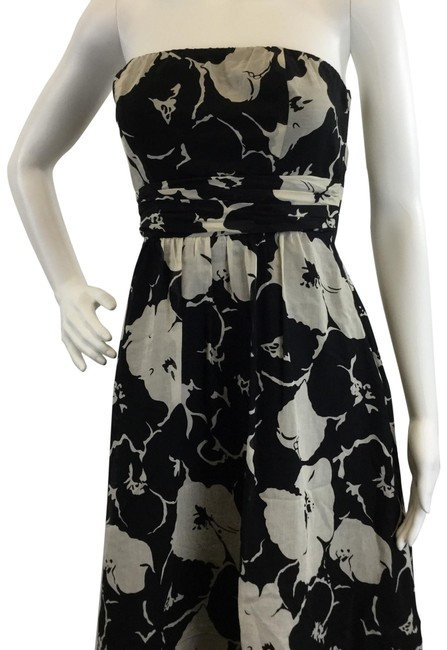 Preload https://img-static.tradesy.com/item/24945479/the-limited-floral-long-casual-maxi-dress-size-4-s-0-1-650-650.jpg