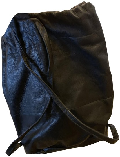 Preload https://img-static.tradesy.com/item/24945661/ill-soft-front-zip-pocket-black-lambskin-leather-backpack-0-1-540-540.jpg