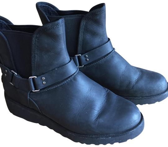 Preload https://img-static.tradesy.com/item/24947360/ugg-australia-black-glen-water-resistant-wedge-bootsbooties-size-us-8-regular-m-b-0-1-540-540.jpg
