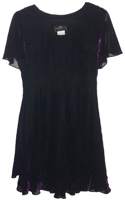 Preload https://img-static.tradesy.com/item/24948501/purple-flowy-tiered-short-cocktail-dress-size-petite-10-m-0-1-650-650.jpg