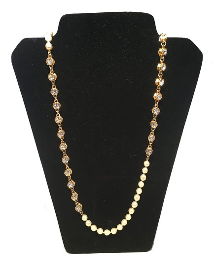 Preload https://img-static.tradesy.com/item/24949883/chanel-gold-vintage-pearl-and-crystal-beaded-necklace-0-0-540-540.jpg