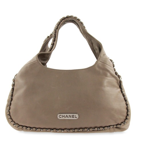 Preload https://img-static.tradesy.com/item/24950873/chanel-chain-around-medium-taupe-beige-leather-shoulder-bag-0-2-540-540.jpg