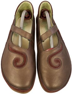 9104a6670ed3 Naot Footwear Mary Janes Woman Size 9 metallic brown and burgundy suede  Flats